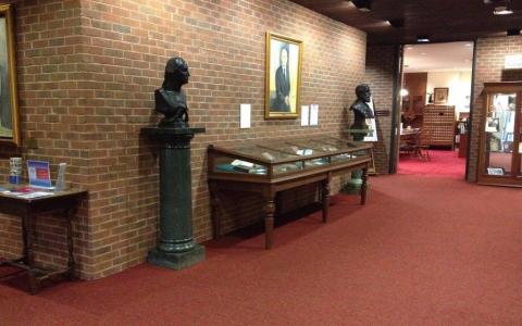 Photo of Northen Lobby Exhibit Area