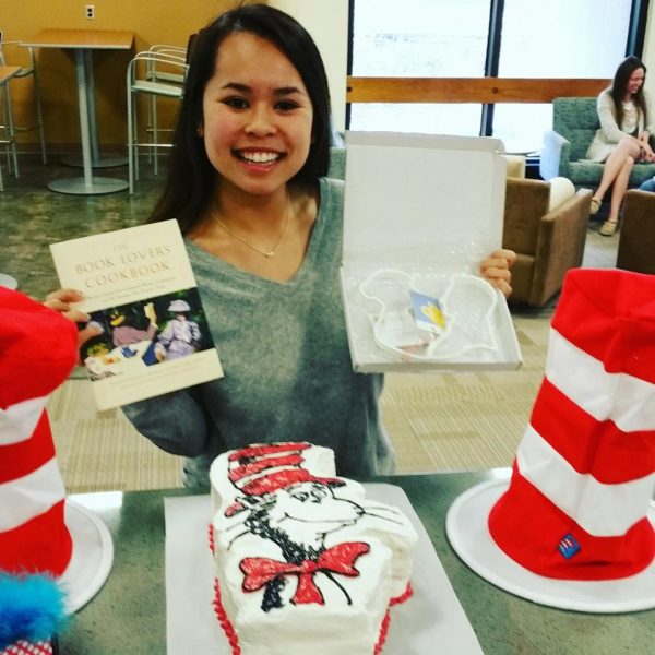 Cat in the Hat Cake with Winner